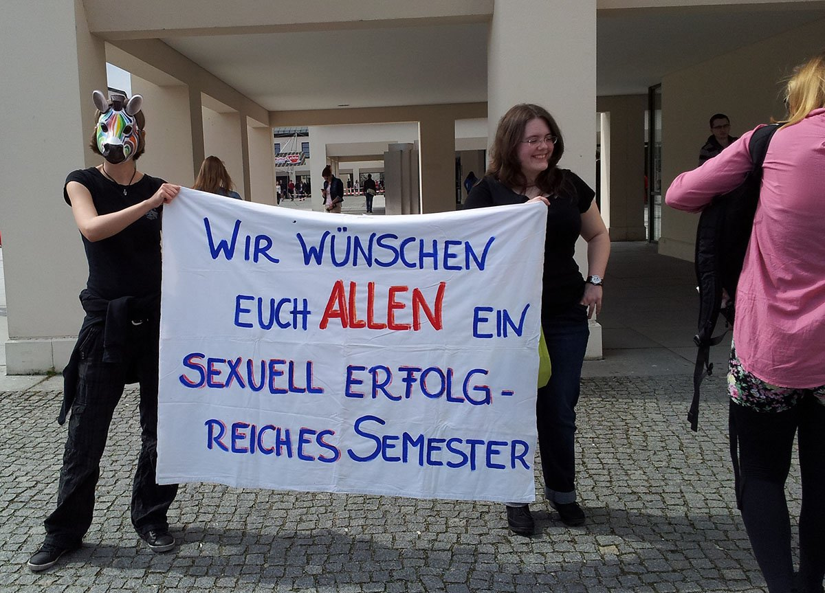 Read more about the article jung, gebildet, IT-Affin – Webaktivist?